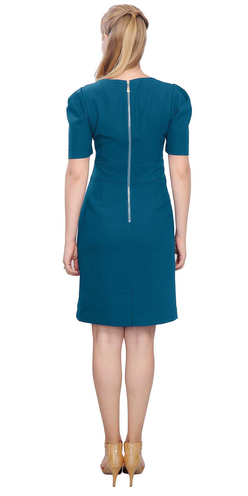 For chic women's suits, workwear, and office attire look no further than Dillard's Work Shop. Make Dillards your destination for your wear to work needs such as women's work dresses.